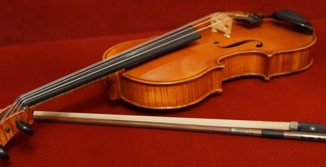 Viola-stringed-instrument